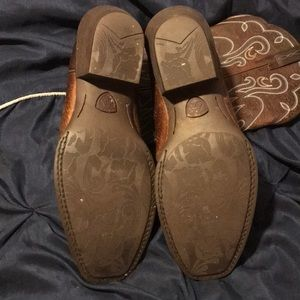 Ariat Shoes - Ariat dark brown boots